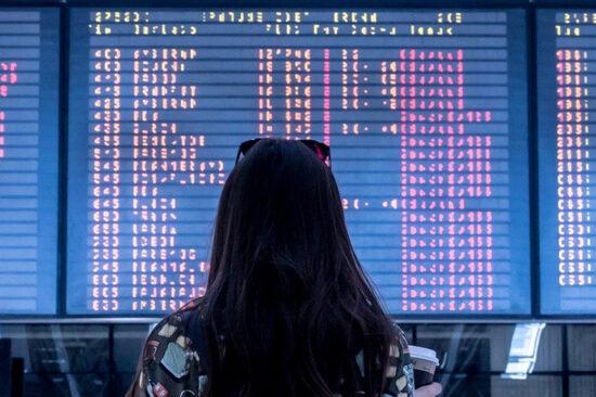 header international aéroport départ arrivées