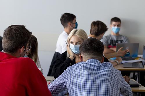 photo étudiants en cours